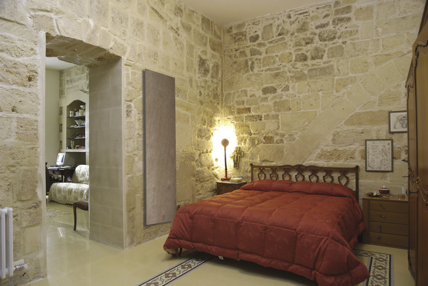chauffage pierre naturelle. Black Bedroom Furniture Sets. Home Design Ideas